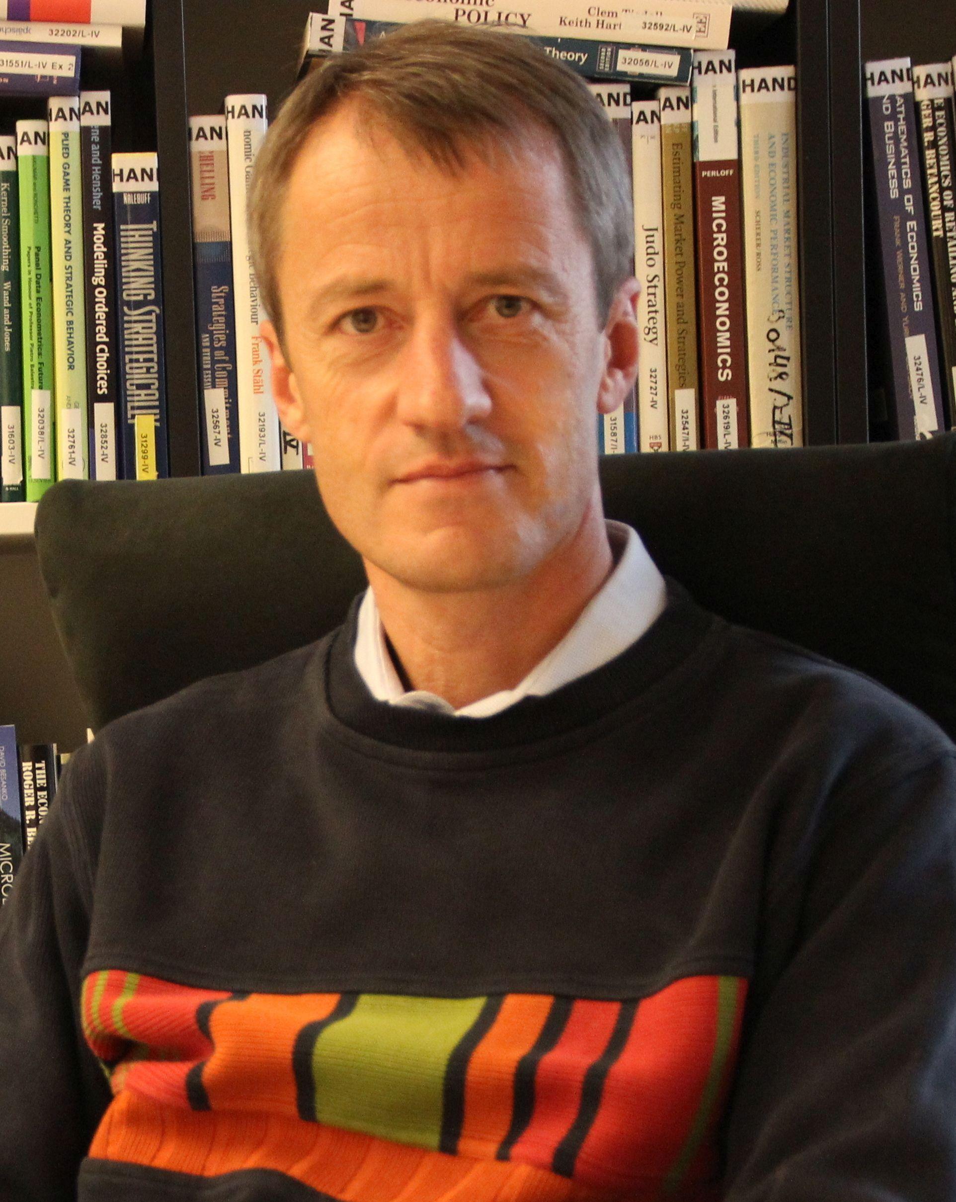 Univ.Prof. Dr. Christoph Weiss - Mitarbeiter/innen - WU Wien